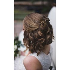 45 Short Wedding Hairstyle Ideas So Good You'd Want To Cut Your Hair  ... ❤ liked on Polyvore featuring accessories, hair accessories and short hair accessories