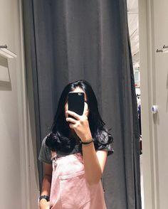 😋 mall shopping numpangfotodoang likeindonesia likephoto lifestyle likes Teenage Girl Photography, Tumblr Photography, Girl Photography Poses, Aesthetic Women, Aesthetic Girl, Cool Girl Pictures, Girl Photos, Ulzzang Korean Girl, Uzzlang Girl