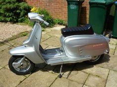 Lambretta Silver Special.Classic Moped Art&Design @classic_car_art #ClassicCarArtDesign