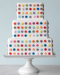 A wedding cake inspired by Damien Hirst's spot paintings from a fun Martha Stewart slideshow. Possibly more creative than Hirst's endless paintings themselves. And they complained that Andy Warhol had a Factory....,