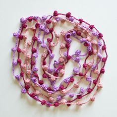 Collana Caramella all'uncinetto di cotone : Collane di thebabbionz
