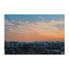 내 칠플은 저기 어딘가에서 날 기다리겠지? #vsco #seoul #서울 #iphone6splus #iphone6s #석양 #노을 #일몰 #sunset