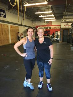 I have put off trying CrossFit for a while. But last Saturday, I stepped out of my comfort zone and tried CrossFit (and loved it)!