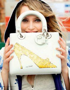 FUNNY FASHION / EL LADO DIVERTIDO DE LA MODA | The Glambition Staz Lindes - Elle Italy September 2013 #bag