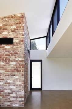 Image 4 of 15 from gallery of LBK / Ply Architecture. Photograph by Sam Noonan Mini Clubman, Contemporary Windows, Roof Architecture, Brickwork, New Homes, House Design, Gallery, Outdoor Decor, House Ideas