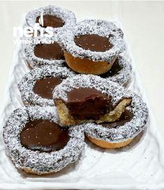 #çikolatalıçaysaatikurabiyesi #kurabiyetarifleri #nefisyemektarifleri #yemektarifleri #tarifsunum #lezzetlitarifler #lezzet #sunum #sunumönemlidir #tarif #yemek #food #yummy Biscuit Cookies, Energy Bites, Doughnut, Biscuits, Brunch, Tart, Food And Drink, Pudding, Sweets