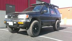 1998 Nissan Pathfinder after Leveling Kit Installation.