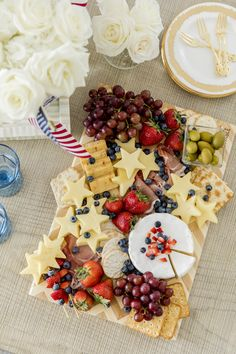 Plateau Charcuterie, Charcuterie Platter, Charcuterie And Cheese Board, Snack Platter, Cheese Boards, Best Cheese Platter, Cheese Platters, Food Platters, Fourth Of July Food
