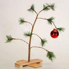 A Musical Charlie Brown Christmas Tree? Red Christmas Ornaments, Blue Christmas, Xmas Tree, Christmas Crafts, Merry Christmas, Rustic Christmas, Charlie Brown Tree, Charlie Brown Christmas Tree, Peanuts Christmas