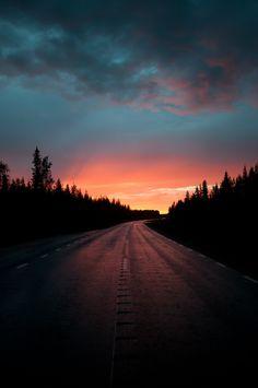 Midnight Sun, Lapland Future Days, Lapland Finland, Midnight Sun, Future Travel, Science And Nature, Nature Photos, The Great Outdoors, Dusk, Roads