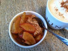 Warm Cinnamon Apples over Oatmeal! One of my favorite Breakfast! Skinny Recipes, Ww Recipes, Light Recipes, Clean Recipes, Healthy Recipes, Weight Watchers Breakfast, Weight Watchers Desserts, Eating Light