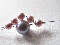 Moois van ' M(i)e': juwelen - MAAK HET ZELF : project : poederarmband Bobby Pins, Pearl Earrings, Hair Accessories, Bracelet, Beauty, Jewelry, Blog, Fashion, Diamond