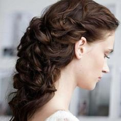 super romantic hairstyle!  Details--- http://www.colincowieweddings.com/inspire-me/fashion-beauty-fitness/fashion/runway-bride/marchesa-spring-2013/beauty/fullsize/22