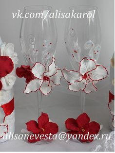 #wedding #glasses #candles #toastingflutes #handmade #weddingideas #weddinggift #unitycandles #candles #red #white Wedding glasses and unity candles in red and whie by AlisaKarol