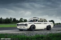 A Ford Built To Divide & Conquer - Speedhunters Escort Mk1, Ford Escort, Ford Rs, Car Ford, Touring, Ford Lincoln Mercury, Old School Cars, Ford Classic Cars, Car Pictures