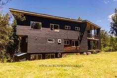 Fotos de Casa de 200m2 en Minte - Puerto Varas. Anuncio: CAV53269 Shed, Outdoor Structures, Cabin, House Styles, Home Decor, Condos, 3 Bedroom House, Floating Floor, Lean To Shed