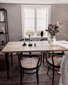 Dining Nook, Dining Room Design, Interior Design Living Room, Dining Room Inspiration, Interior Design Inspiration, Home Living Room, Living Spaces, House Rooms, Sweet Home