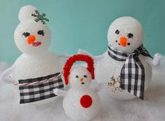 The Adorable Snowman Family is easy to make, and easy to decorate!