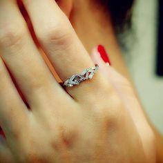 "Suzanne Kalan ""Fireworks"" 18K White Gold Baguette Diamond Ring (Double)"