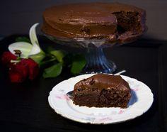 Chokladtårta med chokladsmörkräm Fika, Lchf, Chocolate Cake, Deserts, Muffin, Dessert Recipes, Pudding, Sweets, Breakfast