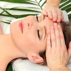 Tipps und Mittel gegen Falten: So hilft eine Gesichtsmassage gegen Falten, sie strafft Ihr Gesicht und zaubert ein strahlendes Aussehen ...