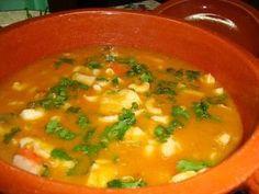 Massada de Peixe à moda do Algarve | ReceitaseMenus.net Soup Recipes, Keto Recipes, Dessert Recipes, Cooking Recipes, Healthy Recipes, Pargo, My Favorite Food, Favorite Recipes, Algarve