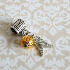 Golden-Snitch-Harry-Potter-Fan-Charm-Bead-for-european-bracelets-or-necklaces