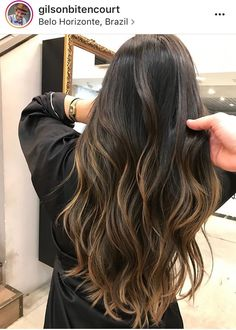 Super Ideas for hair color 2019 balayage Brown Hair Balayage, Hair Color Balayage, Hair Highlights, Caramel Balayage, Partial Balayage Brunettes, Haircolor, Balayage Hair Brunette Long, Long Ombre Hair, Balayage Straight Hair