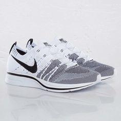 Nike Flyknit Trainer+ - White   Black Nike Free Runners 9e16400981