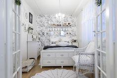 Sisustus - Makuuhuone - Maalaisromanttinen - 54e9c881498ec414915c0f88 - sisustus.etuovi.com Bedrooms, Decorating, Sweet, Home Decor, Yurts, Decor, Candy, Decoration, Decoration Home