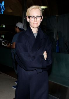 Pin for Later: 77 Stars, die Brillen rocken Tilda Swinton