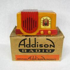 Catalin Bakelite Addison Tube Radio Yellow