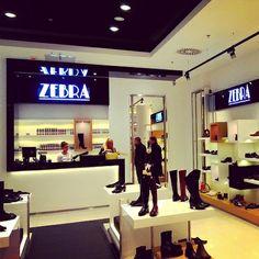 79319624 Zapraszamy do nowo otwartego salonu :) Nowy Salon obuwniczy Zebra w Galeria  Bronowice Kraków http