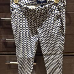 Polka Dot Pants Very cute pants. Old Navy. Size: 0 Old Navy Pants Ankle & Cropped