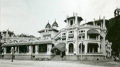 Hotel Miramar - Macuto - arquitecto Alejandro Chataing, la obra se comenzó en 1926, fue inaugurada el 01 de abril de 1928, siendo el primer hotel de playa del litoral que resumió el lujo, el confort y refinamiento moderno de la época. La inauguración de este hotel Miramar, ubicado en la avenida la playa con boulevard Paseo de Macuto, constituyó un acontecimiento nacional, pues sus características de alto lujo, igualaban a los más calificados hoteles de Europa y Norteamérica.