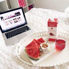 ♡ watermelon is soooo good :)
