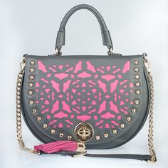 chic and adorable purses on this site!