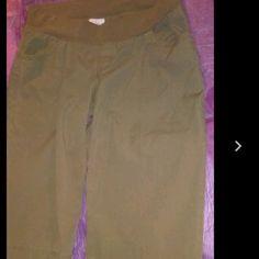 Maternity stretch cotton Capris Capri pants new size Large stretch cotton Capris Capri pants new with tags Oh baby by motherhood Motherhood Maternity Pants Capris