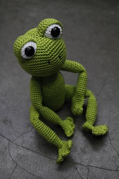Sam the Frog Pattern