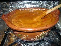 Amigos, complementando la receta de Tortitas de camarón con nopales en pipian rojo , hoy publicaré también esta receta básica de PIPIAN ...