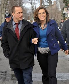 "Christopher Meloni & Mariska Hargitay on the set of ""Law and Order: SVU"""
