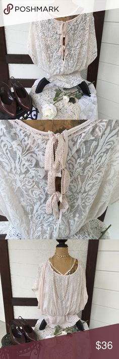 Free People Surprise Back Blouse 👀 Beautiful Back with ties, elastic at the hip area🙂Great with skinny jeans. 👠👜Cream and Ivory color. Free People Tops Blouses