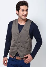 brown coloured waistcoat from the house of Derby. Made of 100% cotton, this waistcoat is comfortable to wear. This slim-fit waistcoat will make you look youthful, handsome and visibly slimmer.