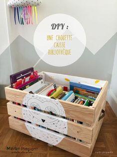 DIY: Children's bookcase on wheels.fr by docquiersara Childrens Bookcase, Pottery Barn, Merlin, Diy Baby Gifts, Kids Room Organization, Custom Cushions, Room Shelves, Baby Furniture, Playroom