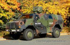 """Geschütztes Transportfahrzeug der Feldjäger. Hier mit der Aufschrift """"Military Police"""" aber ohne Sondersignalanlage"""