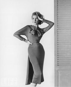 Supermodel Suzy Parker - I love the look of these old dresses. So sexy without showing anything.