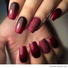 Black to burgundy nails with glitter