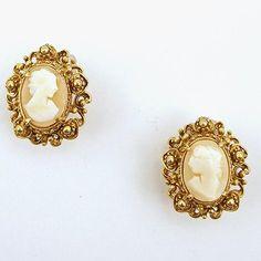 Vintage Florenza Shell Cameo Clip Earrings