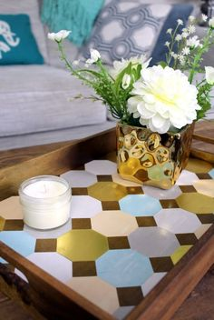 Create your own DIY serving tray just in time for the holidays. Includes free printables!