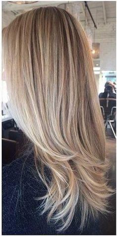 24.Haircut para el pelo rubio largo